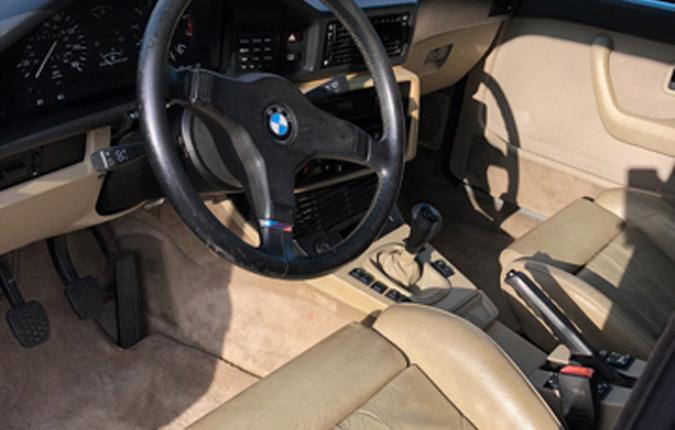 bmw-335is-1988-interior-usa-importen