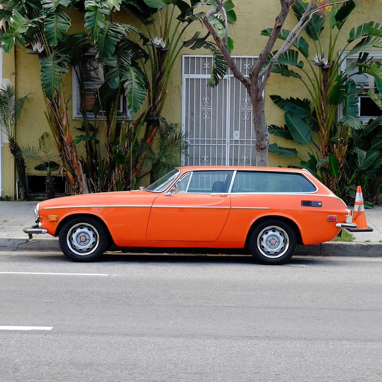 Mercedes Benz 200-serie W114 fra 1975. Import af brugte biler USA-importen.